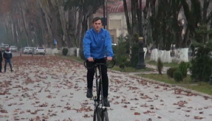 İsmayıllı sakini 2 mərtəbəli velosiped hazırladı
