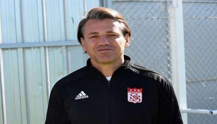 Турецкий клуб расстался с главным тренером
