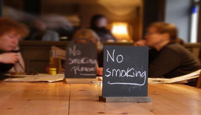 Почему не работает запрет на курение в общественных местах