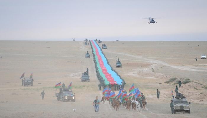 В Азербайджане изготовлен флаг протяженностью 5 км 100 метров