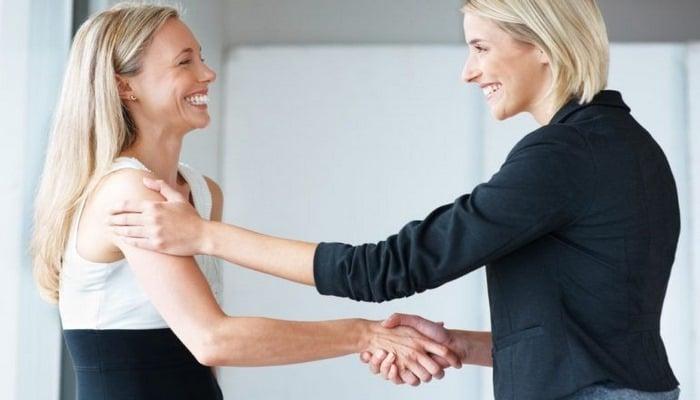 Что можно «подхватить» через рукопожатие