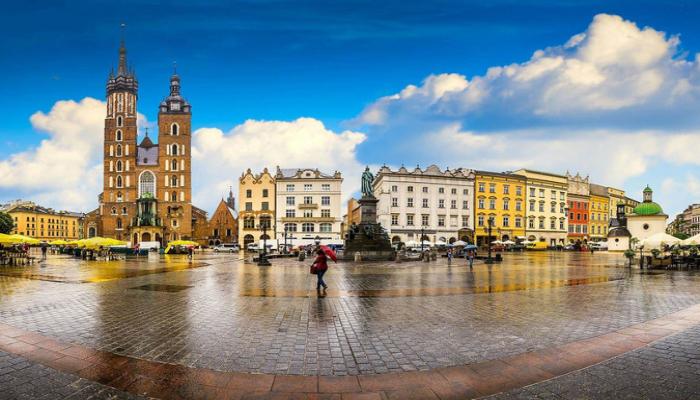 В Польше с субботы станет возможным выходить на улицу без масок