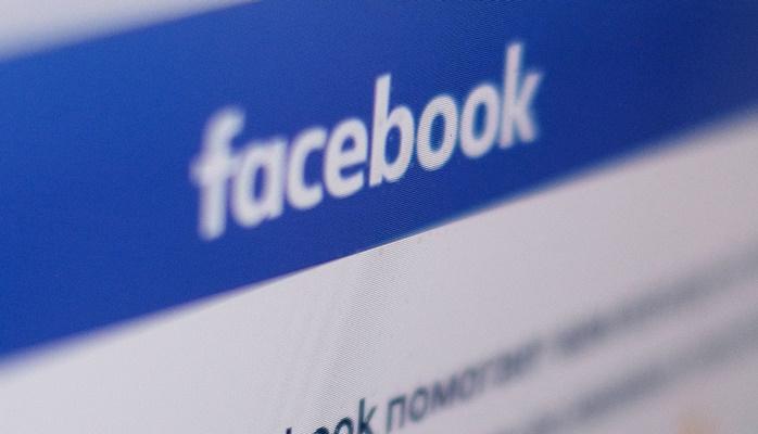 """Facebook начал делить СМИ на """"фейковые"""" и """"нефейковые"""""""