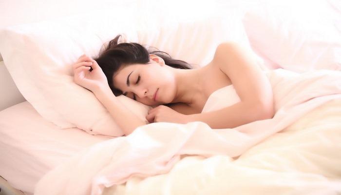 Как правильно спать, чтобы ночью полноценно отдыхать