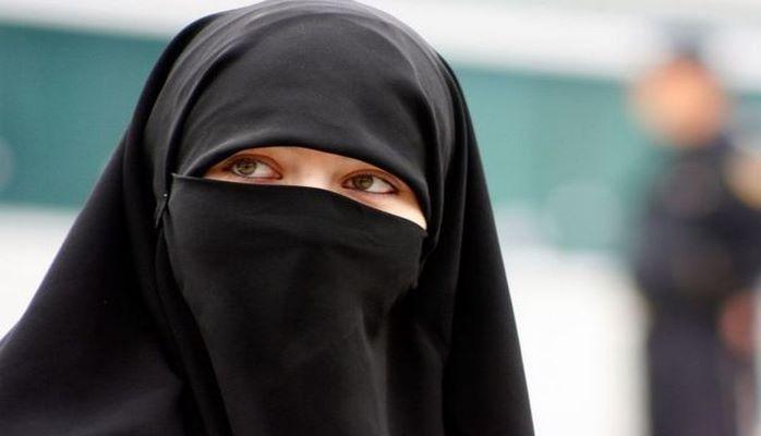 Danimarkada niqab və pərəncə qadağan edildi