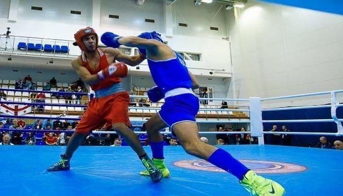 Азербайджанский боксер побил армян и дошел до финала