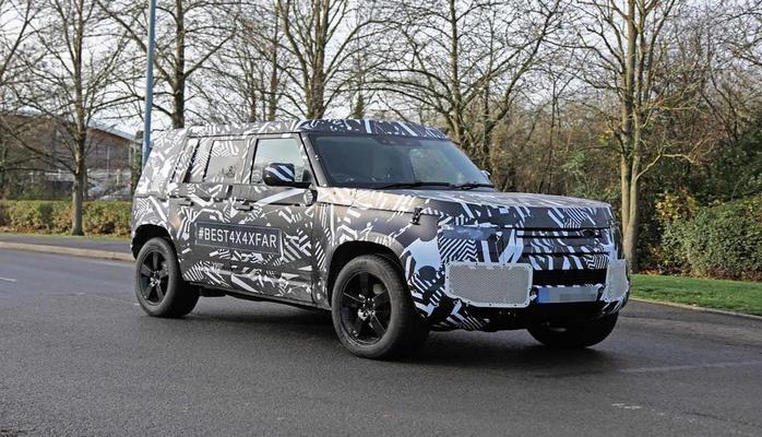 Опубликованы фотографии интерьера нового Land Rover Defender