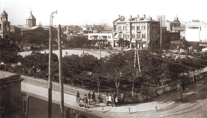 История появления Парапета в Баку