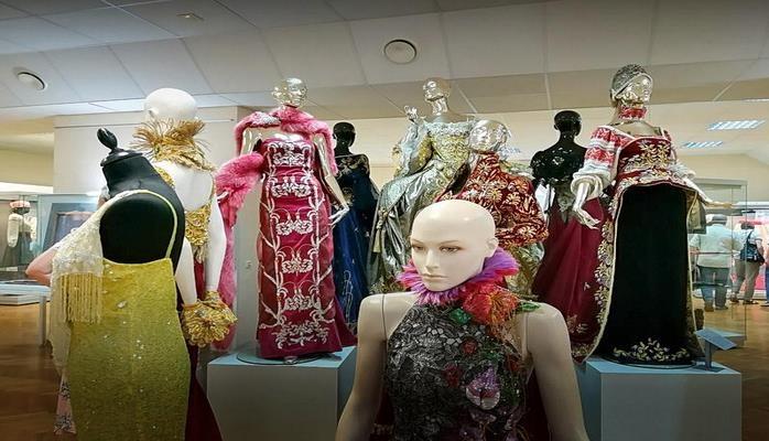 Новый музей в Воронеже представил более 100 национальных костюмов народов России и мира