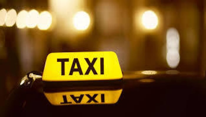 Taksi sürücülərinə ŞAD XƏBƏR - Artıq fərqlənmə nişanını Azərpoçtdan da ala biləcəksiniz