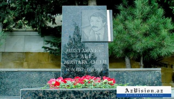 Alı Mustafayevin doğum günüdür