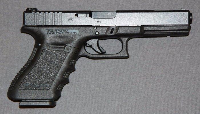 10 самых популярных пистолетов в мире