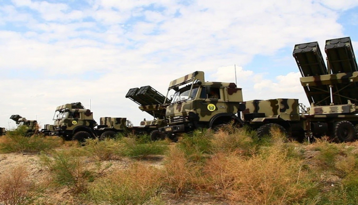 Azərbaycan Ordusunun əməliyyat təlimində qoşunlar yerdəyişmə tapşırıqlarını icra edib
