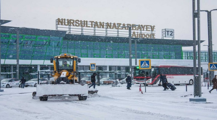 В Нур-Султане задержаны или отменены более 30 рейсов из-за непогоды