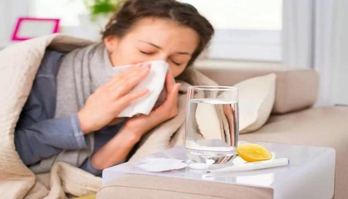 Koronavirüs semptomlarında normal soğuk algınlığından  farklı durumlar ortaya çıkmıştır