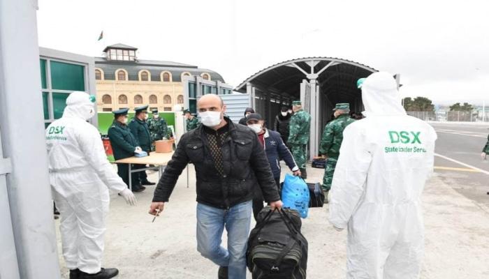 Rusiyadan gələn azərbaycanlılar ölkəyə buraxıldı