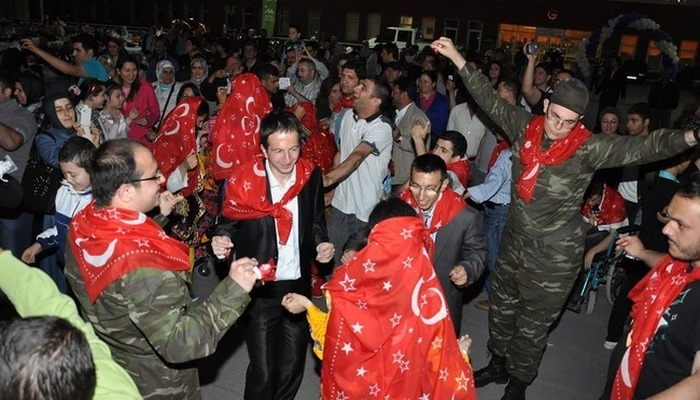 İstanbul'da 15 gün yasak!