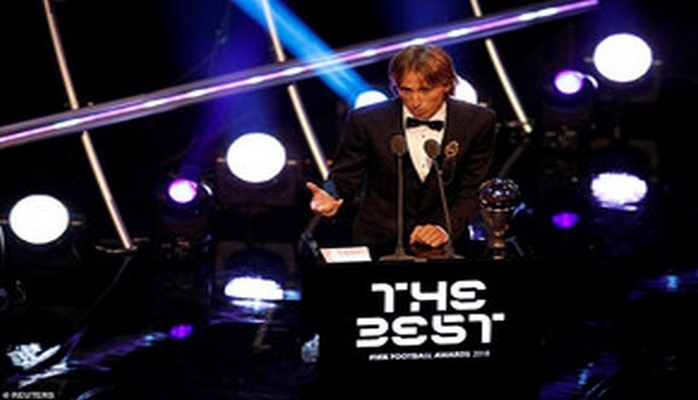 ФИФА наградила лучших: Модрич, Салах, Куртуа, Дешам и другие