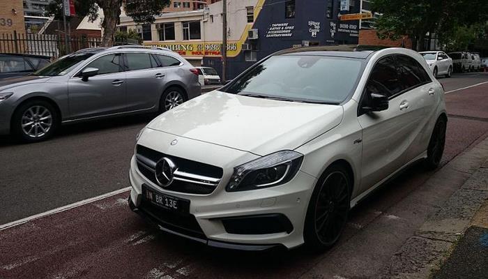 На тестах в Германии запечатлён «заряженный» хэтчбек Mercedes-AMG A45