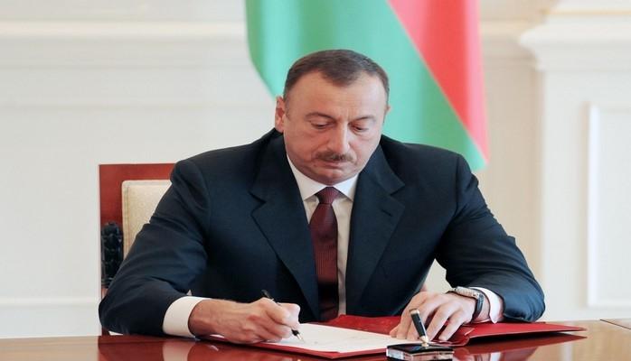 Ильхам Алиев поздравил лидера Китая