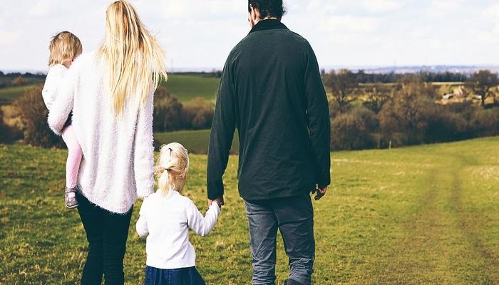 Врачи назвали оптимальный возраст для отцовства