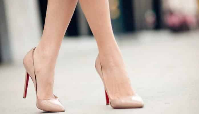 В бакинском вузе запретили носить каблуки