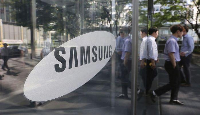 Samsung готовит новый смартфон с гибким экраном