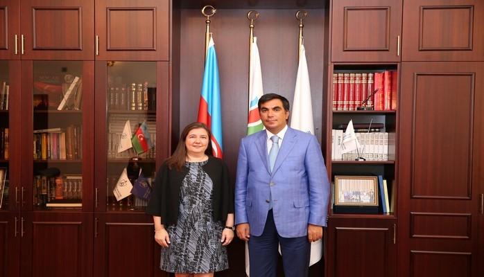 Эльмар Гасымов встретился с директором по работе с персоналом компании SOCAR Turkey