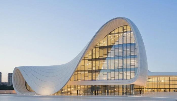 Центр Гейдара Алиева вошел в топ-3 центров современного искусства в СНГ