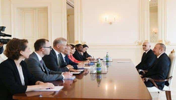 Президент Ильхам Алиев принял вице-президента Европейского инвестиционного банка