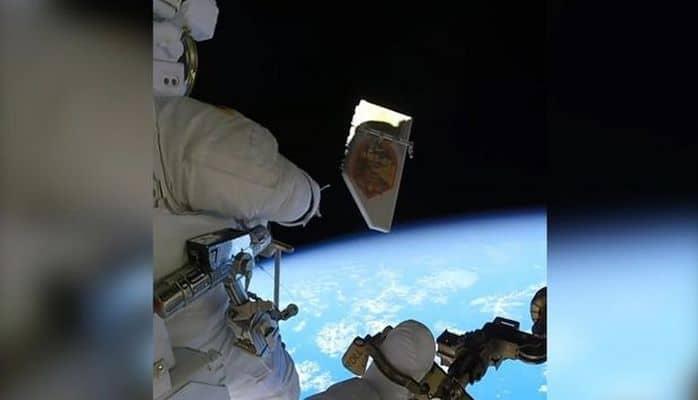 Astronavt zibili açıq kosmosa tulladı