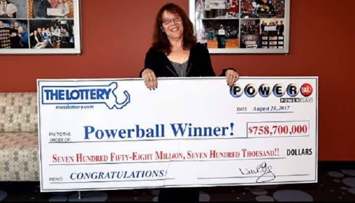 Lotereyada 758 milyon dollar qazanan amerikalı qadın dərhal işdən azad oldu