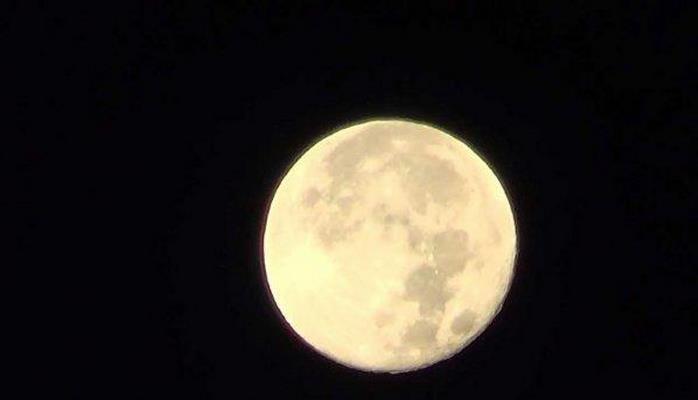 Ученые NASA показали на видео смену дня и ночи на Луне