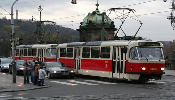 В пражских трамваях теперь можно платить банковской карточкой