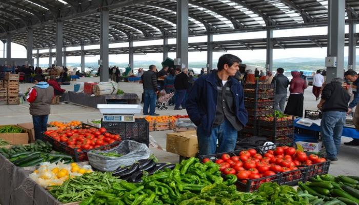 В Анкаре детям запретили ходить на рынки и магазины
