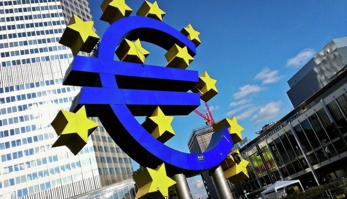 Меркель за передачу титула финансовой столицы ЕС Франкфурту-на-Майне