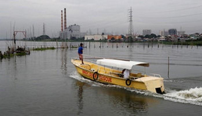 Тайфун Мангхут достиг берегов Филиппин