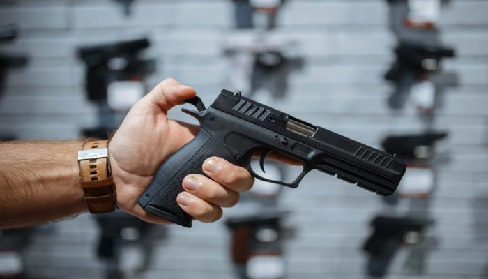 Выдается ли депутатам Милли Меджлиса табельное оружие?