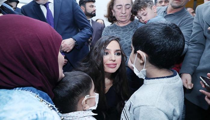 Leyla Əliyeva uşaqları sevindirdi