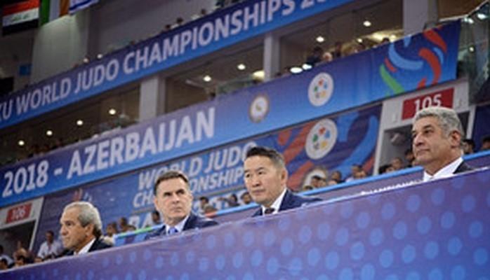 Президент Moнголии посмотрел чемпионат мира по дзюдо в Баку