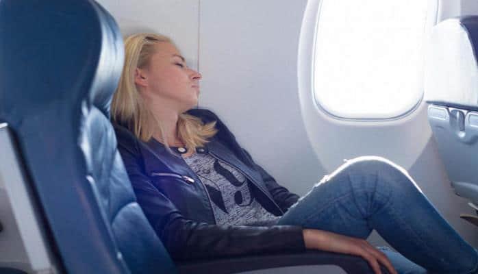 5 странных вещей, которые происходят с телом во время полета