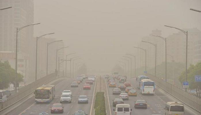 Баку накрыл пыльный туман из Туркменистана