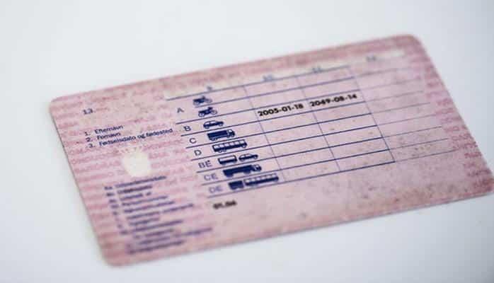 Граждане Дании смогут получить электронные водительские удостоверения