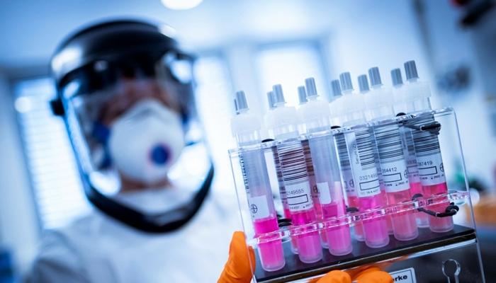 """ABŞ-da """"Moderna"""" və """"Pfizer""""in vaksinlərindən istifadə dekabrda başlaya bilər"""