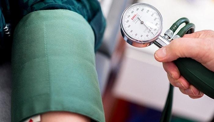 Кардиологи назвали три простых способа избежать инфаркта и инсульта