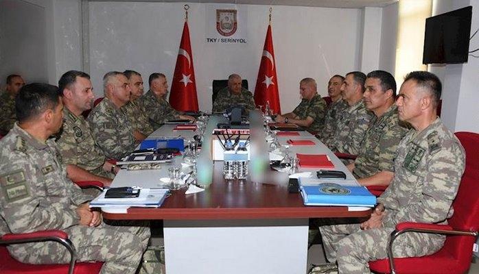 Турция усиливает военное присутствие на границе с Сирией