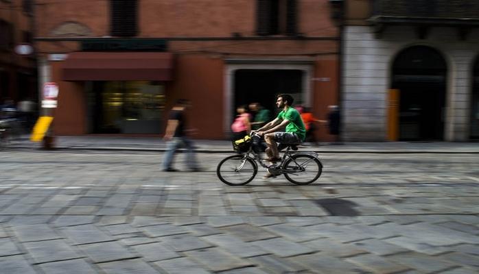 Hansı şəhər velosipedçilərə pivə və dondurma verir?