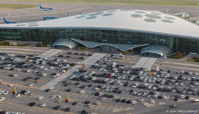 Ливень и гроза не повлияли на работу аэропорта Гейдар Алиев и Бакинского железнодорожного вокзала