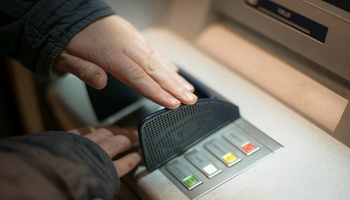 Rusiyada telefonla bankomatdan pul çıxara biləcəksiniz