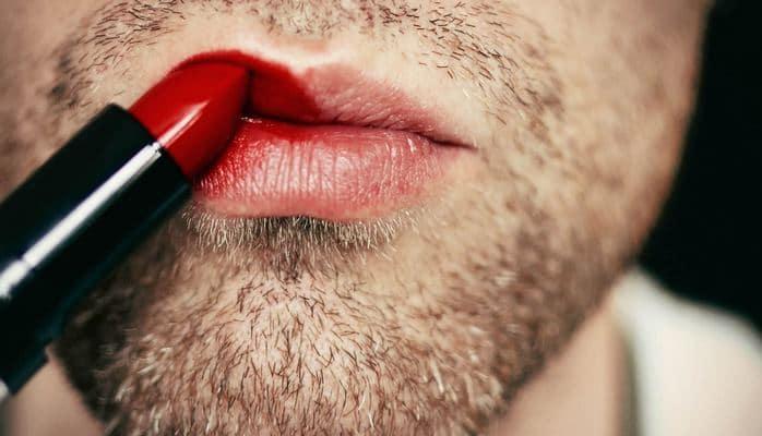 Солдатам Новой Зеландии разрешено красить ногти и делать макияж